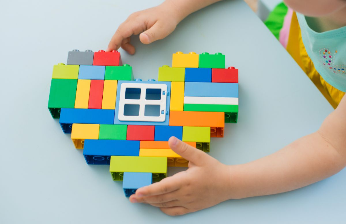 duplo blocks in shape of heart with window